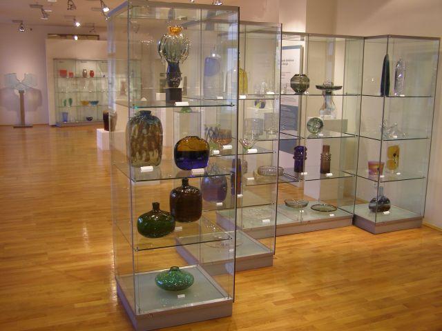 Připojené obrázky. Museum skla a bižuterie v Jablonci nad Nisou ... c5bc2f68b1